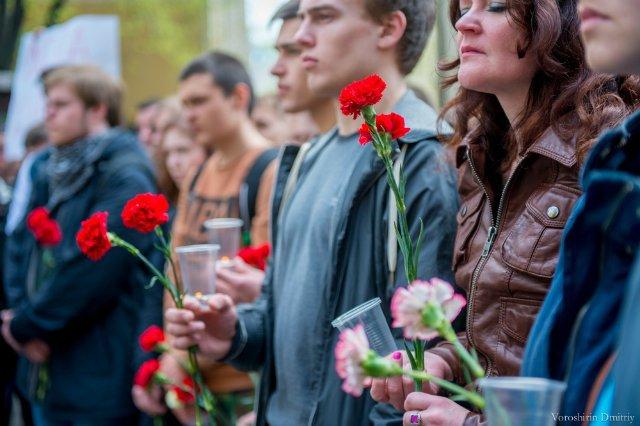 """Акция памяти """"Одесса.Окаянные дни"""" прошла у стен посольства Украины в Москве. Акция скорби"""