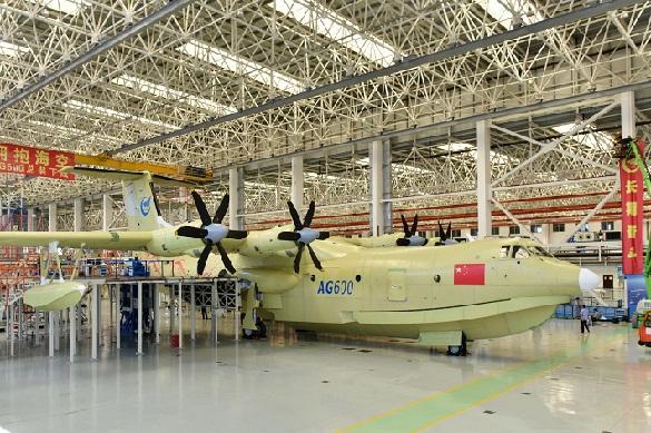 В «Поднебесной» прошли тестирования крупнейшего вмире самолета-амфибии