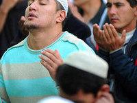 Сотни человек пострадали в давке на выставке вещей пророка в Махачкале. 285893.jpeg