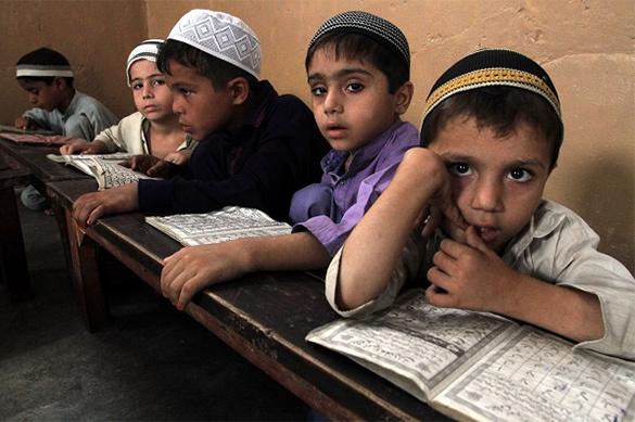 Школьники-мусульмане грозят учителям обезглавливанием