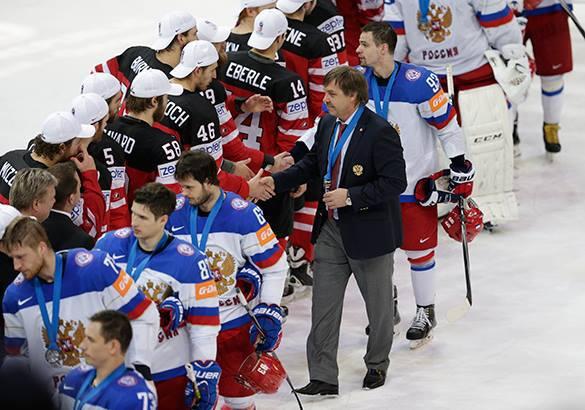 Федерацию хоккея России накажут за уход со льда сборной во время награждения команды Канады после финала ЧМ-2015. Финал чемпионата мира по хоккею в Праге