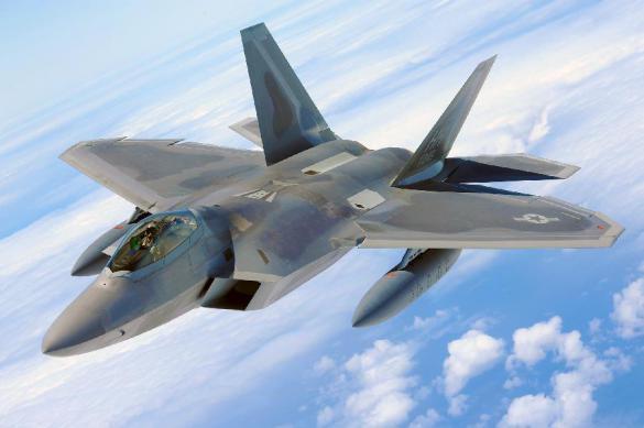 СМИ раскрыли причину побега F-22 Raptor от Су-35С. СМИ раскрыли причину побега F-22 Raptor от Су-35С