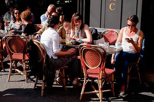 Туристы в ресторане