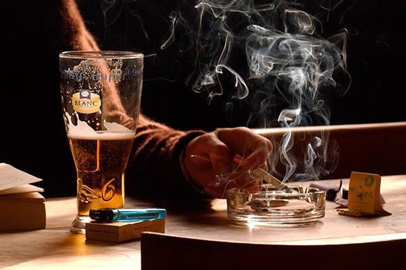 Ученые выяснили: кофе частично нейтрализует курение