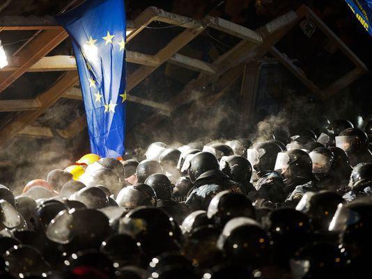 Страх и ненависть в Киеве: Горожане скупают бронедвери и решетки на окна. Киевляне пытаются защититься