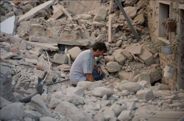 Российских туристов в районе землетрясения в Италии быть не долж