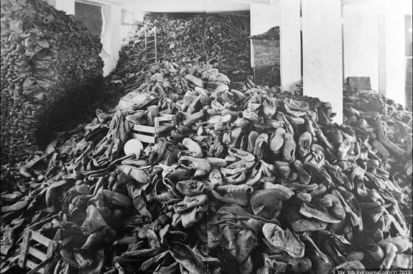 """В Германии отказали в помиловании """"бухгалтеру Освенцима"""". В Германии отказали в помиловании бухгалтеру Освенцима"""