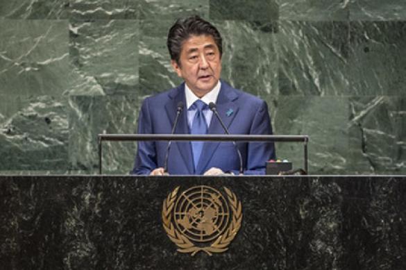 Абэ собирается забрать Курилы по договору 1956 года.
