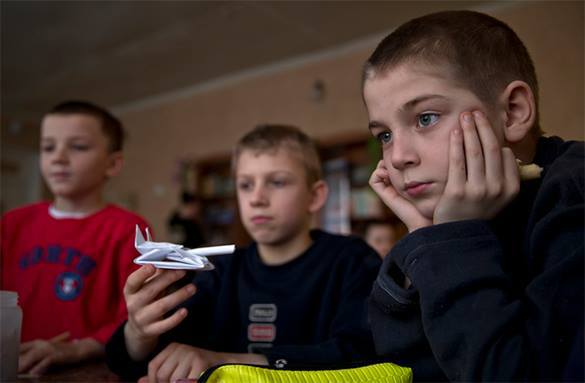 Кризис превратил усыновителей в опекунов. дети, усыновление, опекунство