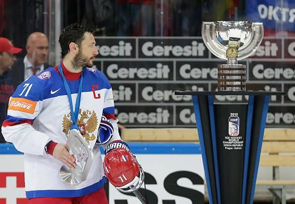 Алексей Крутов: Наши хоккеисты так расстроились, что могли забыть о гимне.