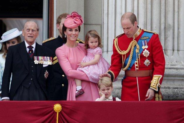 Герцог и герцогиня Кембриджские лично приведут сына Джорджа в школу. Герцог и герцогиня Кембриджские лично приведут сына Джорджа в шк