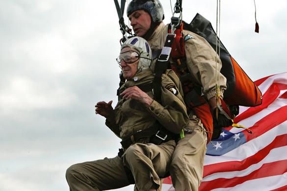 France D-Day. Джим Мартин,Нормандия,ветеран,прыжок с парашютом