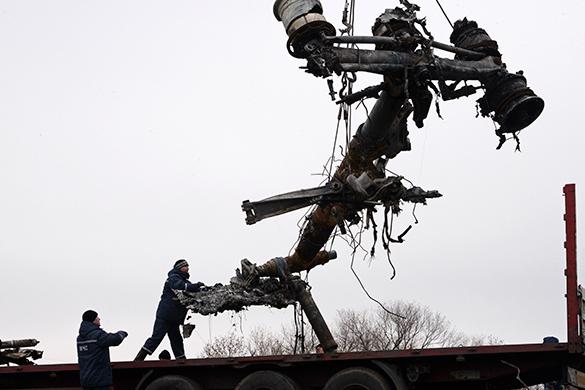Обломки Boeing отправятся в Нидерланды на следующей неделе. самолет обломки украина боинг