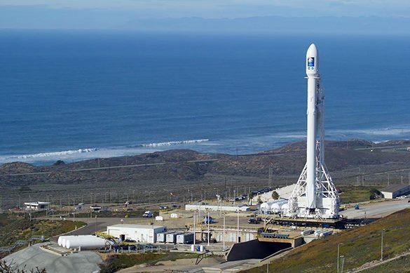 SpaceX отложил запуск из-за погоды