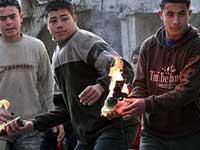Афинские беспредельщики сожгли автомобильный салон