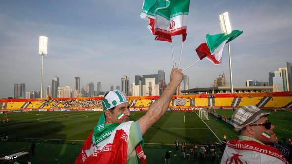 Иранский футбольный клуб заблокировал связь на стадионе и заявил десяткам тысяч фанатов, что стал чемпионом, чтобы избежать беспорядков. Видео. Фанаты