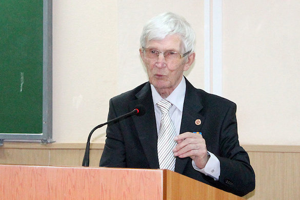 В Екатеринбурге скончался один из авторов Конституции России. 371916.jpeg
