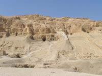 Археологи нашли золото в разграбленной египетской гробнице