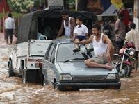 Число жертв наводнения в Индии достигло 205 человек