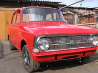 Вандалы облили краской 15 автомобилей в Москве