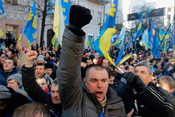 Бунт во Львовской области:  мобилизованные требуют выдать форму. украинцы, митинг