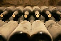 Еврокомиссия запретила делать розовое вино из красного и белого