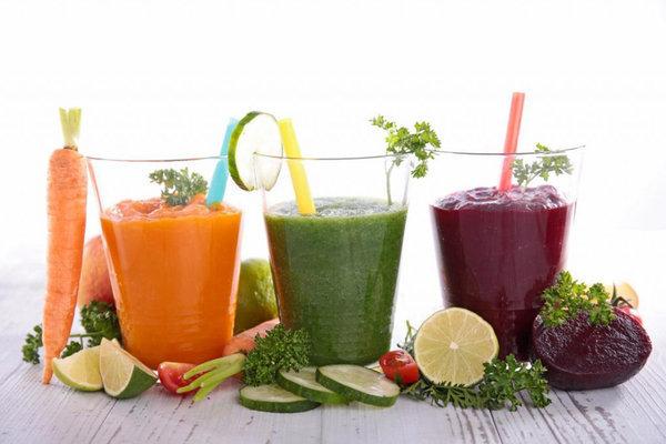 Что лучше пить летом на работе?. свежевыжатые соки