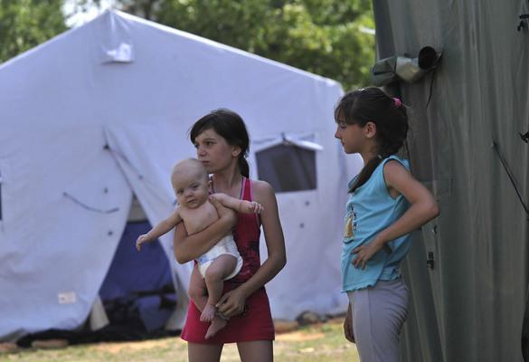 Сибирь будет прирастать Украиной?. Палаточный городок беженцев с Украины