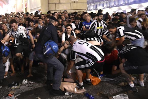 Притворившись террористами, подростки устроили панику в Турине