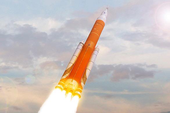 Озвучены подробности запуска американской сверхтяжелой ракеты SL