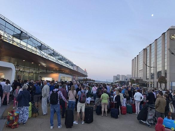 Пожар парализовал работу аэропорта в Брюсселе