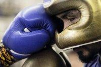 Два чемпиона мира по боксу подрались прямо на улице. box