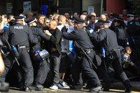 Полиция Лондона задержала 60 националистов. london
