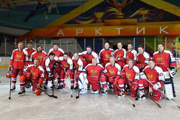 Легенды хоккея победили норильских любителей. 382931.jpeg