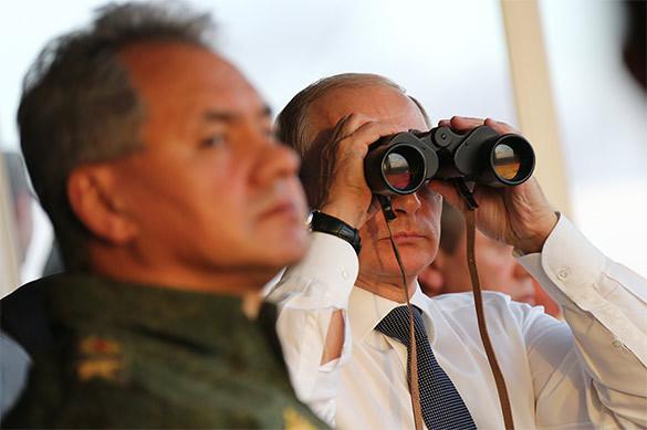 Путин рассказал Стоуну о расходах на оборону, защите Крыма и рос