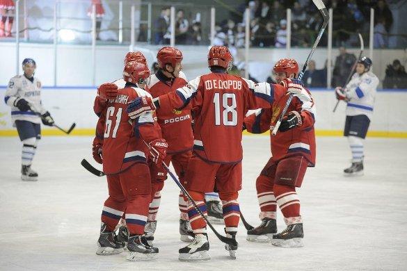Легенды хоккея победили норильских любителей. 382932.jpeg