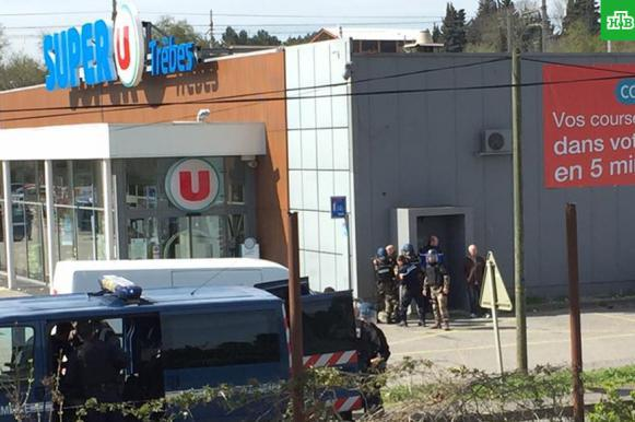 Погиб французский полицейский, обменявший себя на заложников. Погиб французский полицейский, обменявший себя на заложников