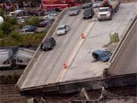 В Мексике рухнул автомобильный мост
