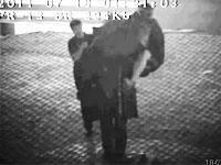 Хулиганы сняли зонт с памятника для фотосессии (+видео). 241935.jpeg