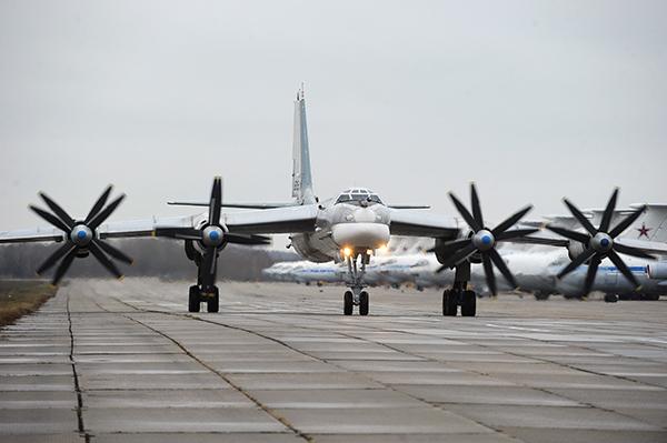 США в ярости: самолеты ВВС РФ пролетели около Аляски, хотя и не заходили в воздушное пространство страны. 298936.jpeg