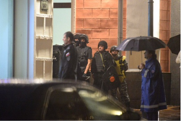 Полиция забрала захватника заложников в Сити-банке