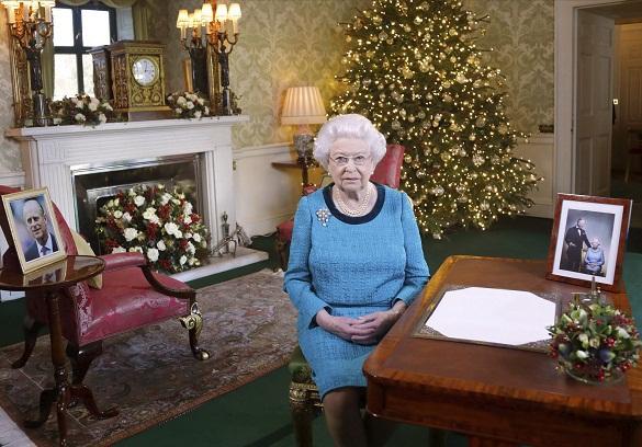 На сайте королевской семьи сообщили о смерти Елизаветы II