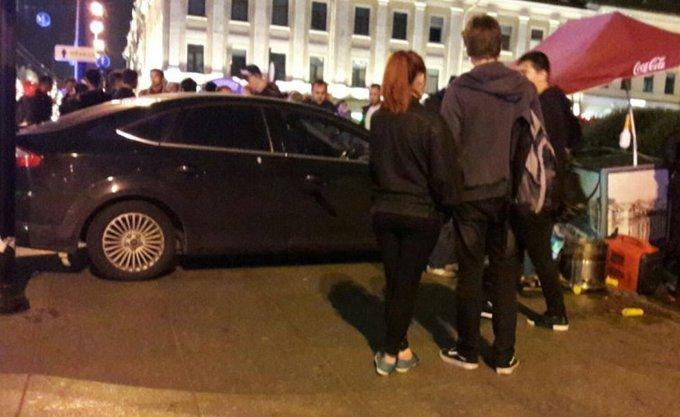 Машина протаранила толпу в центре Петербурга. Машина протаранила толпу в центре Петербурга