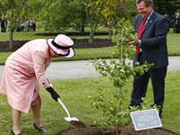 Королева Великобритании займется садоводством