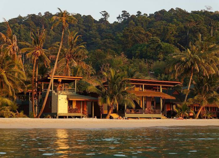 В уличных боях между футбольными фанатами погиб человек