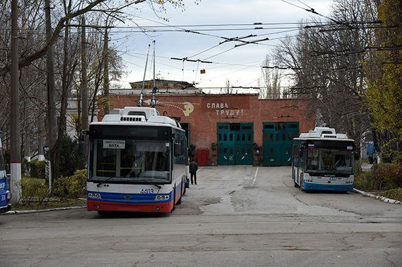 Троллейбус забодал светофор в центре Ярославля