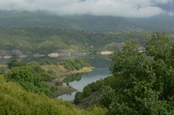 В Армении стартовал сбор подписей за присоединение Нагорного Карабаха.