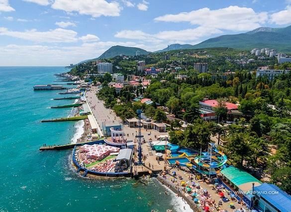 Иностранцев заставят платить налоги за недвижимость в Крыму