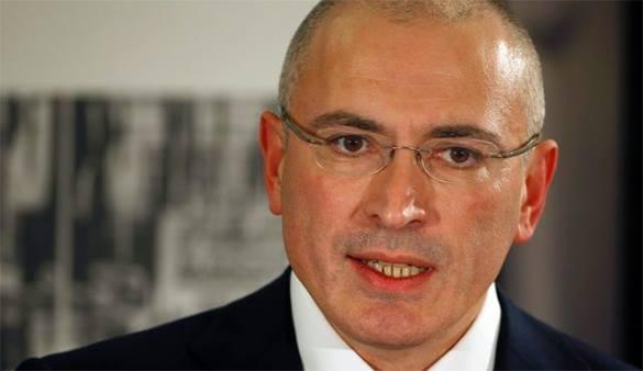 Во время телемоста оппозиционеров Ходорковский не успел покритиковать Путина из-за проблем с электричеством. 305948.jpeg