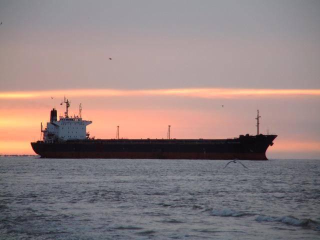 Почему Китай скупает танкерами всю дешевую нефть. 301951.jpeg